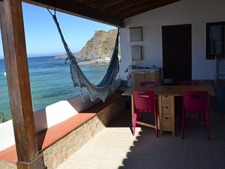 Cozy house in Aljezur with Parking, Internet, Washing machine, Balcony