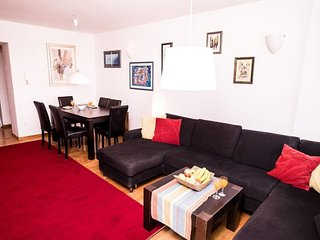 Spacious apartment in Zagreb with Lift, Parking, Internet, Washing machine