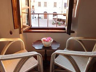 Camera Retrò in Piazza a San Gimignano