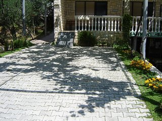Cozy apartment in Omis with Parking, Internet, Air conditioning, Balcony
