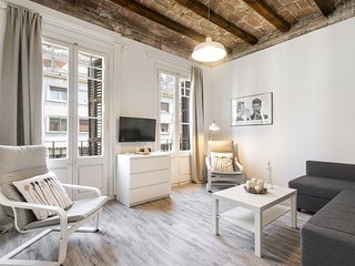 Nice, cozy&comfy apartment near Passeig de Gracia