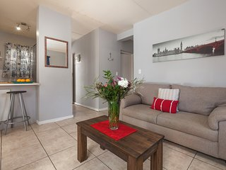 Cozy apartment in Cape Town with Parking, Garden