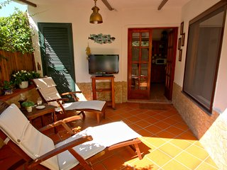 LACCO LODGING • ISCHIA Lacco Ameno Cottage, 4pax, patio, BBQ