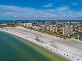 Expansive Gulf views from the Balcony await!