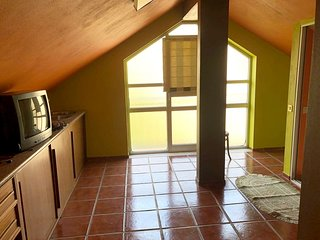 Spacious house in the center of Manteigas with Parking, Washing machine, Air con
