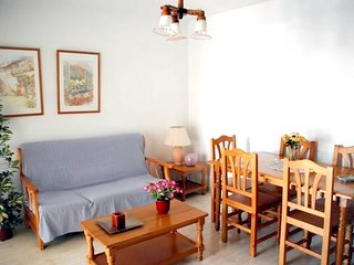 Spacious apartment very close to the centre of Puerto de Mazarron with Parking,