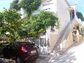 Cozy apartment in the center of Novalja with Parking, Internet, Air conditioning