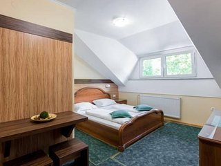 Cozy room very close to the centre of Zreče with Parking, Internet, Terrace