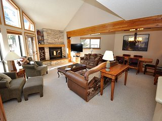 Spacious Creekside 3 Bedroom East Vail Townhome #D5
