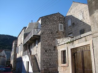 Cozy apartment in the center of Vis with Internet, Air conditioning, Balcony, Te