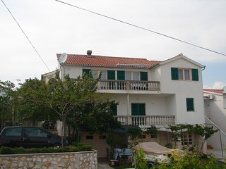 Spacious apartment in the center of Vodice with Parking, Internet, Washing machi