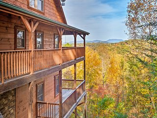 NEW! Pigeon Forge Cabin w/Stunning Mountain Views