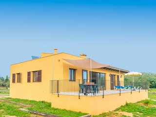 Spacious house in Capdepera with Parking, Internet, Washing machine, Terrace