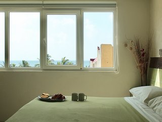 Beautiful Ocean View Penthouse  3 bdrm very close beach & all attractions BP8