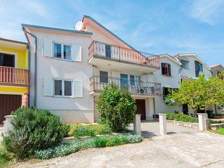 Spacious apartment in the center of Novigrad with Parking, Internet, Washing mac