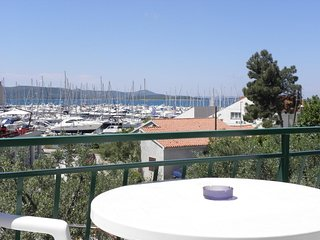 Cozy apartment in the center of Biograd na Moru with Parking, Internet, Air cond