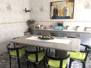 Spacious apartment in Vila Nova de Gaia with Parking, Internet, Washing machine,