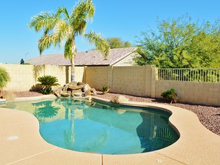 Desert Oasis-Close to Spring Training, Pool, Firepit. Book now for lowest prices