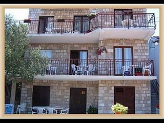 Cozy apartment in the center of Trpanj with Parking, Internet, Air conditioning,