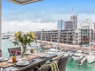 Beautiful Viaduct apartment with views to match!