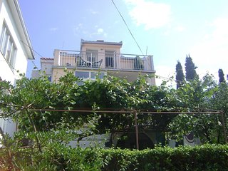 Spacious apartment in Arbanija with Internet, Washing machine, Air conditioning,