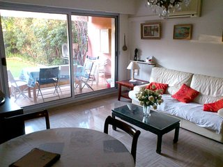 Spacious apartment very close to the centre of Cagnes-sur-Mer with Parking, Inte