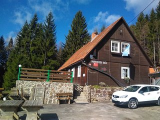 Cozy room close to the center of Hocko Pohorje with Parking, Terrace