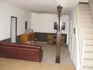 Spacious house in the center of Saint-Caradec with Parking, Washing machine