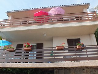 Cozy apartment in the center of Pisak with Parking, Internet, Air conditioning,