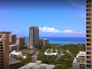 Plan a royal getaway to the island of Oahu!