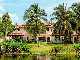 Bursuai - Lake view family pool villa near beach