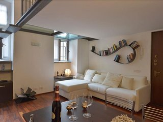 Villoresi apartment in Navigli with integrated air conditioning.