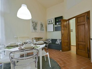 Spacious Sirio apartment in Porta al Prato with WiFi & integrated air conditioni