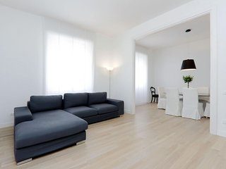 Lima  apartment in Piazza Bologna with WiFi, integrated air conditioning & lift.