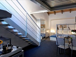 Giambellino V apartment in Navigli with WiFi & air conditioning.