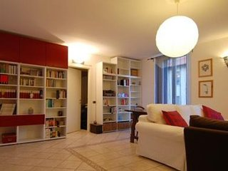 Sebenico apartment in Porta Garibaldi with WiFi, air conditioning & private terr