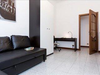 Popoli Uniti   apartment in Stazione di Milano Centrale with WiFi.