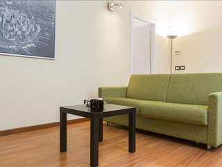 Ascanio Sforza apartment in Navigli with WiFi, air conditioning & lift.