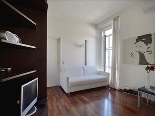 Orti III apartment in Porta Vittoria with WiFi, air conditioning & lift.