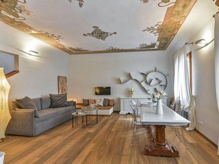 Nikita apartment in Santa Maria Novella with WiFi, integrated air conditioning &