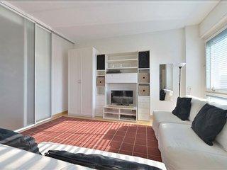 Spacious Abbadesse II apartment in Porta Garibaldi with air conditioning, balcon