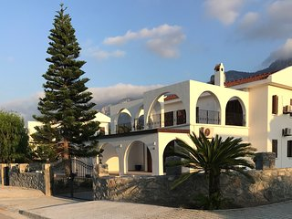 Casa Blanca, Luxury Detached Villa with Private Pool