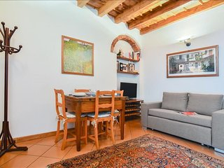 Torricelli apartment in Porta Romana with WiFi.