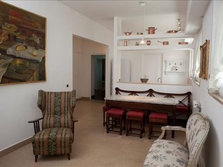 Spacious Petrarca  apartment in Posillipo with WiFi, integrated air conditioning