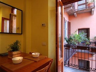 San Giovanni sul Muro  apartment in Centro Storico with WiFi, balcony & lift.