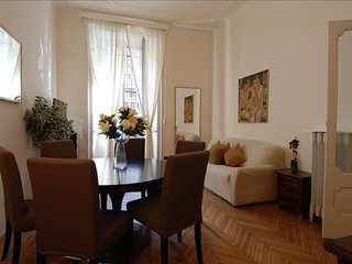 Spacious San Babila Corridoni apartment in Porta Vittoria with air conditioning,