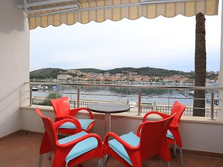 Ciovo Apartment Sleeps 4 with Air Con - 5703665
