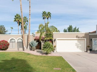 4BR Near Kierland Commons & Phoenix Mtn Preserve - Private Pool, Spa & Sauna