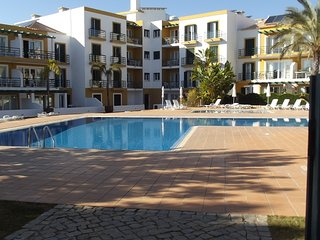 Excellent Town House with Communal Swimming Pool and Air-con close to Tavira