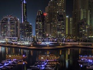 Entire 2BR w/ WiFi + Balcony on Marina Waterfront
